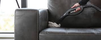 canapé cuir entretien tout savoir sur l entretien et le nettoyage du cuir