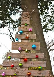 A Whole House Of Recycled Christmas Crafts Including Pallet Tree