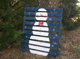 Bb Posted Snowman Painted On A Wooden Pallet To Their Christmas Xmas Ideas Postboard Via The Juxtapost Bookmarklet