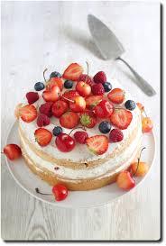 dessert aux fruits rapide cake aux fruits rouges et crème chantilly au mascarpone