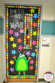 Kindergarten Christmas Door Decorating Ideas by Best 25 Classroom Door Decorations Ideas On Pinterest Class