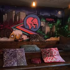 craft bar mit großer bier auswahl delirium café köln