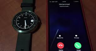 Watch this Moto 360 answer iPhone calls without a jailbreak