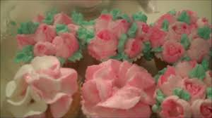 Cakes Decorated With Russian Tips by Aunt Duddie Decorates The Cupcakes With Russian Tips Youtube