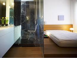 bad und schlafzimmer mit glaswand getrennt wohnen zuhause