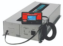 100 Truck Power Inverter 2500W Pure Sine Wave With Battery Optimization