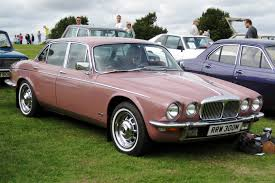 File Daimler Sovereign based on XJ6 Series II 4325cc first