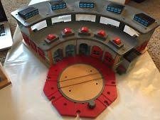 Tidmouth Sheds Wooden Roundhouse by Thomas Turntable Ebay