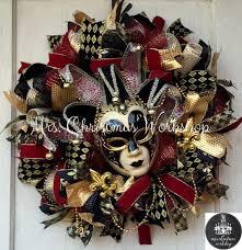 Mardi Gras Mask Door Decoration by 164 Best Wreaths Mardi Gras Images On Pinterest Mardi Gras