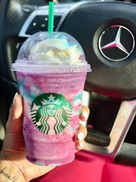 A thorough review on Starbucks NEW Unicorn Frappuccino