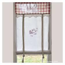 rideau de cuisine en rideau cuisine largeur 45cm décor poules rouges ambiance cagne