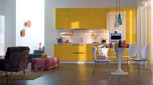 cuisine jaune et blanche cuisine cuisine jaune moutarde cuisine nous a fait ã l aise