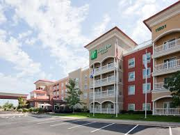 Lamp Post Inn Hotel Ann Arbor by Ihg Hotels In Maple Grove Mn Bar U0026 Restaurant Waterpark