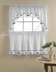 rideaux pour cuisine rideaux fenetre cuisine dcoration stores et rideaux les voil sur