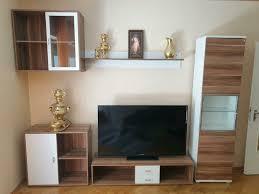 wohnwand wohnzimmer möbel lowboard hängeschrank nussbaum weiss