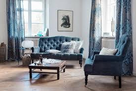 elegantes wohnzimmer in blau mit bild kaufen 12488883