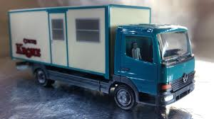 Herpa Trucks 156752 Mercedes-Benz Box Truck