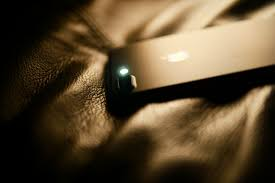 How to Turn on the Flashlight on an iPhone