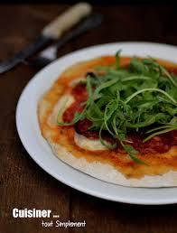 cuisiner le basilic pâte à pizza au basilic cuisiner tout simplement le de