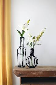 Turn Some Wire And Scrap Fabric Into Beautiful Decorative Vases For Your Home Click Through
