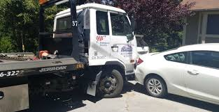 100 Tow Truck Accident Leaves Stuck Blocking Traffic Live Daily News