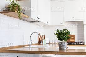 Moderne Weisse Küchen Bilder Moderne Weiße Küche Skandinavischen Stil Stockfoto Und Mehr Bilder Arbeitsplatte