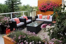 Organic Outdoor Lounge