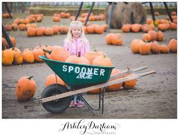 Puyallup Pumpkin Patch by The Clark Family Lifestyle Family Session At Spooner Farms In