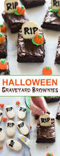 Halloween Cemetery Fence Diy by Best 25 Halloween Graveyard Decorations Ideas On Pinterest