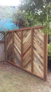 1001pallets Backyard Fence Made With Re Purposed