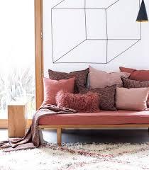vieux canapé relooker un vieux canapé solutions faciles et pas chères