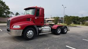 Day Cab 2006 Mack Truck For Sale