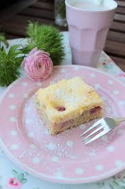 erdbeer rhabarberkuchen mit vanille quark guss rezeptebuch