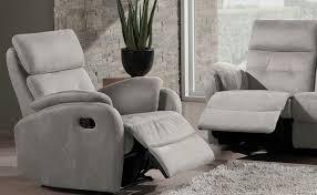 Fauteuil Relaxation Avec Etude Pour Decorateur D Interieur A 22 Ans Il Quitte Les études Pour Faire Un Comparatif Des
