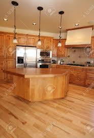 eine neue küche in einem montana hause ahorn böden