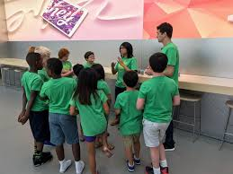 Halloween Express Locations Milwaukee Wi by New Classes For Kids And Adults Offered At Apple Stores Everywhere
