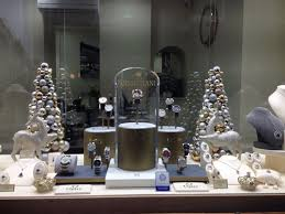 Jewellery Shop Window Display Ideas 125 Best Displays Images Trends