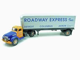 100 Roadway Trucking Tracking First Gear Express 49 International KB10 Tractor 30