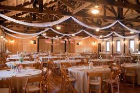40 Romantic Indoor Rustic Wedding Ideas 37