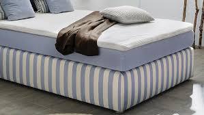 boxspringbett stinas bett hellblau weiß für schlafzimmer mit
