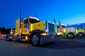 100 Great American Trucking Images