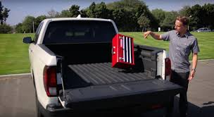 Pickup Bed Tool Boxes by Honda Ridgeline Drops The Mic Er Toolbox On Silverado And F 150