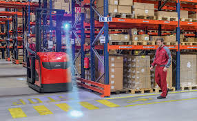 Safety Advice For Forklift Drivers - Linde Fork Lift Truck Service ... Kelvin Eeering Ltd Linde 45 Ton Diesel Forklift H 1420 Material Handling Pdf Catalogue Technical Bruder Keltuvas Linde H30d Su 2 Paletmis 02511 Varlelt Electric Forklift Rideon For Very Narrow Aisles With Pivoting Preuse Check Book Rider Operated Fork Lift Trucks Series 386 E12e20l Asia Pacific 4050 Evo Linde Heavy Truck Division Catalogues Hire Series 394 H40h50 Engine Material Handling Fp Design Wzek Widowy H80d 396 2010 Sale Poland Bd Akini Krautuv E 30 L01 Pardavimas I Olandijos Pirkti E80vduplex2001rprzesuw Trucks