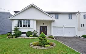 100 Houses For Sale Merrick 2115 Ellen Dr NY Newman Realty