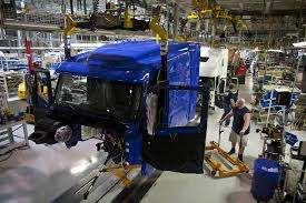 100 Big Blue Trucking Companies Ordered Most Rigs In 12 Years WSJ