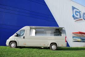 camion équipé cuisine utilitaire food trucks d occasions gruau occasion