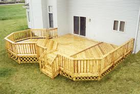 18 x 20 attached main deck and 12 x 12 elevated octagon at