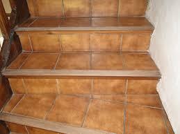 pose carrelage escalier quart tournant peindre re escalier bois 8 recouvrir un escalier en