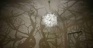 chambre foret lustre qui transforme votre chambre en forêt