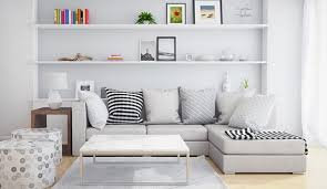 funktinale wandgestaltung mit einbauregalen hinter sofa im